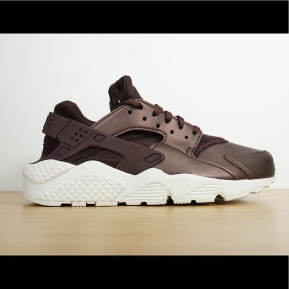 22ad65ca61b07 Nike Womens Air Huarache Run PRM TXT Running Shoes